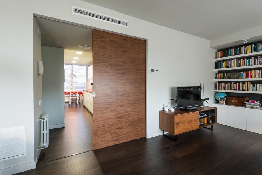 Puertas correderas que ahorran y unen espacios ideas - Puertas correderas madera y cristal ...