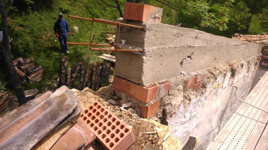 Foto corretja o suncho perimetral de formig armat de for Tejados madera vizcaya