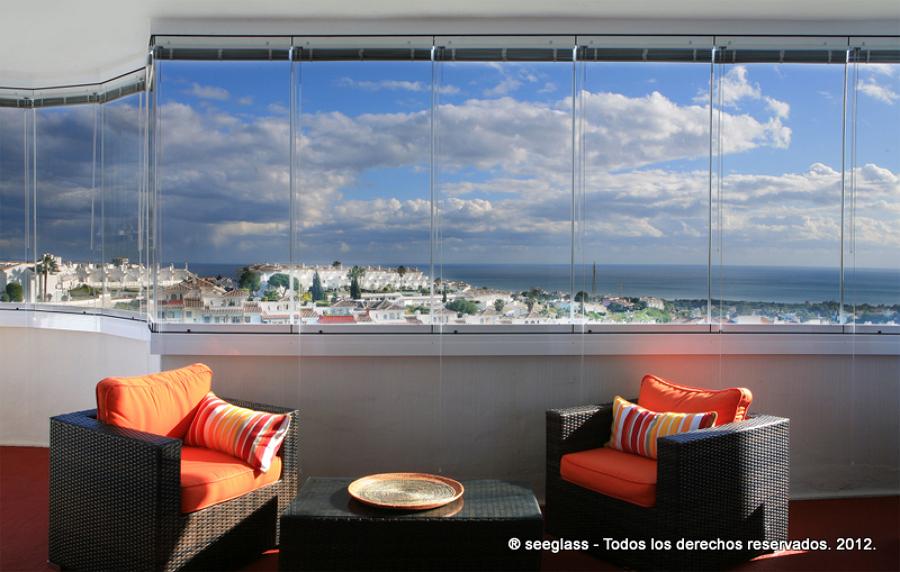 Foto cortina de cristal en terraza con vistas mar de for Cortina cristal terraza