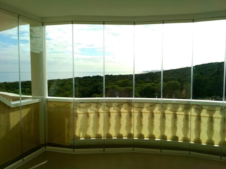 Cortinas de cristal. Interior.