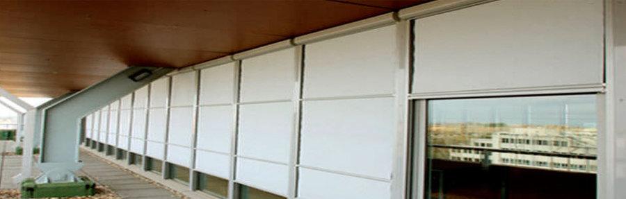Cortinas exteriores guiadas en U con Cofre D BOX