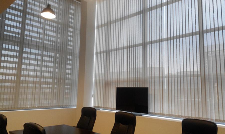 Cortinas Verticales en Oficina en Alcobendas | Ideas Decoradores