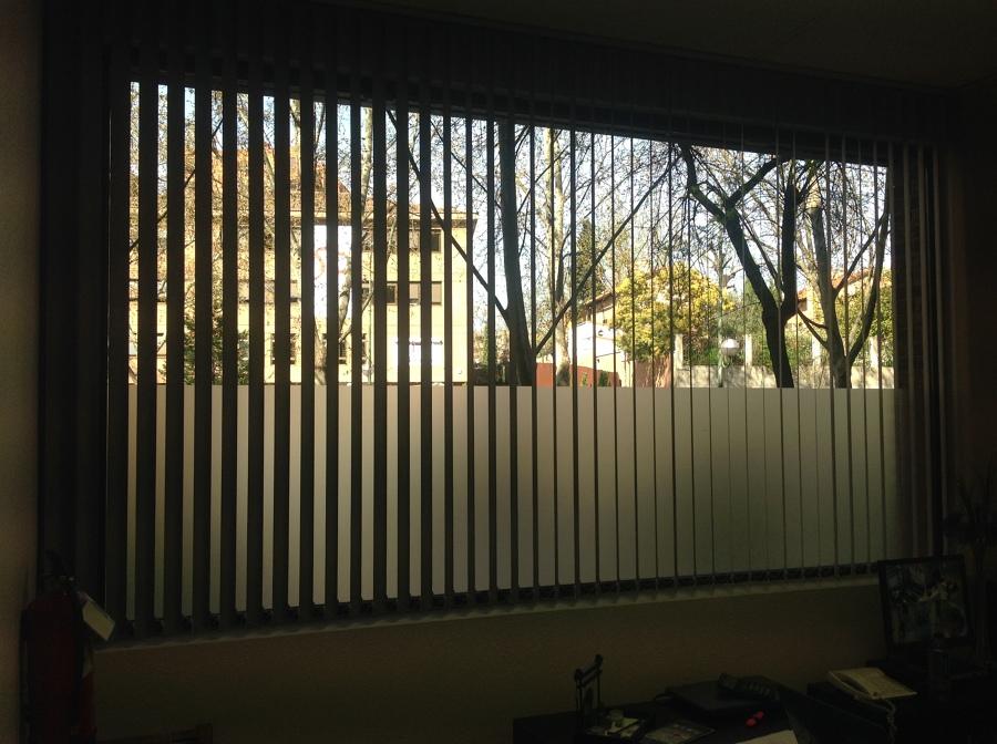 Foto cortinas verticales en poliester de tecnicort cortinasmadrid 688569 habitissimo - Cortinas verticales madrid ...