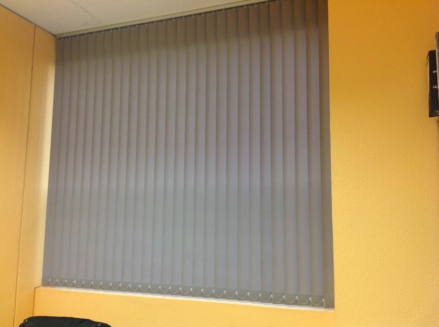 Foto cortinas verticales en poliester de tecnicort cortinasmadrid 688577 habitissimo - Cortinas verticales madrid ...