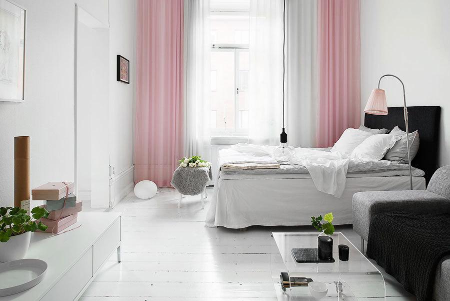 Cortinas y complementos rosa cuarzo y azul serenidad