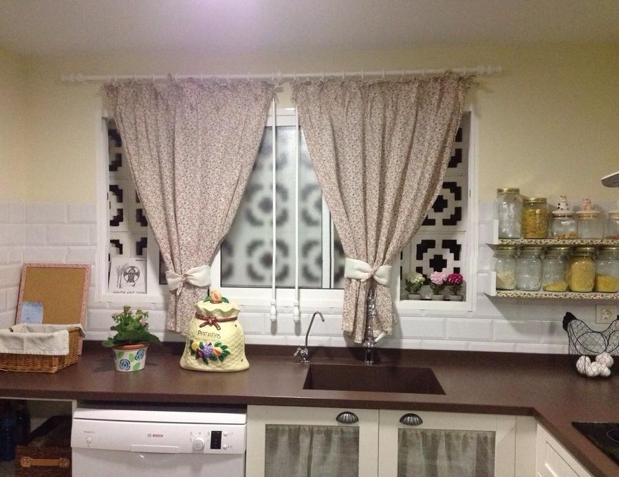Foto cortinas y visillos de servihogaralicante 654049 for Visillos cocina