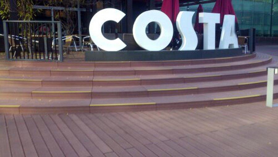 Costa aeropuerto T-1