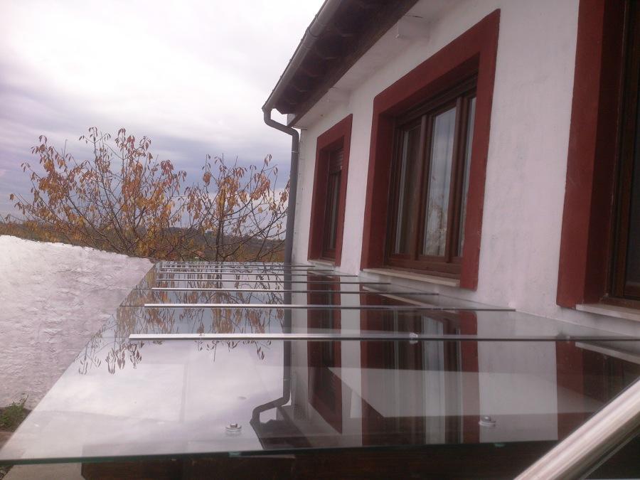 P rgola de madera y cristal ideas rehabilitaci n fachadas - Cubiertas de cristal ...