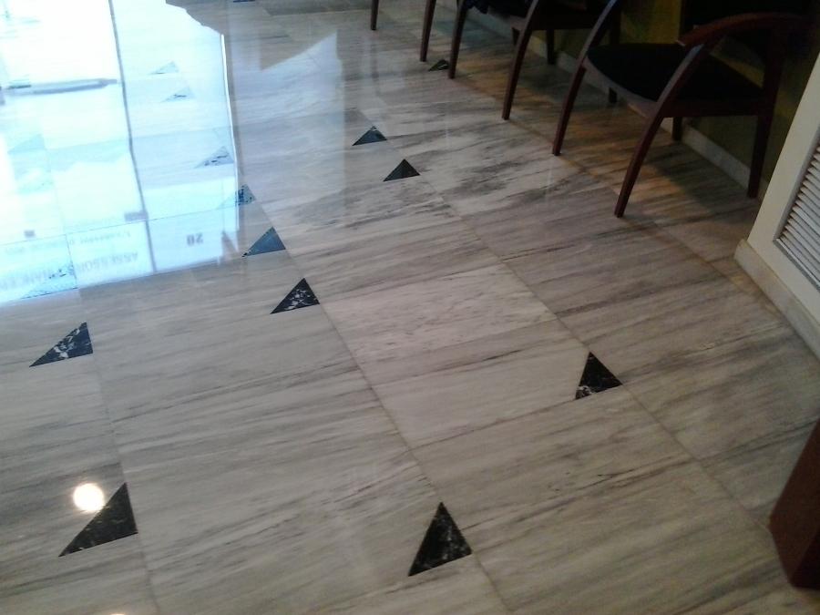 Cristalizado en m rmol blanco carrare ideas pulir suelos - Limpieza marmol blanco ...