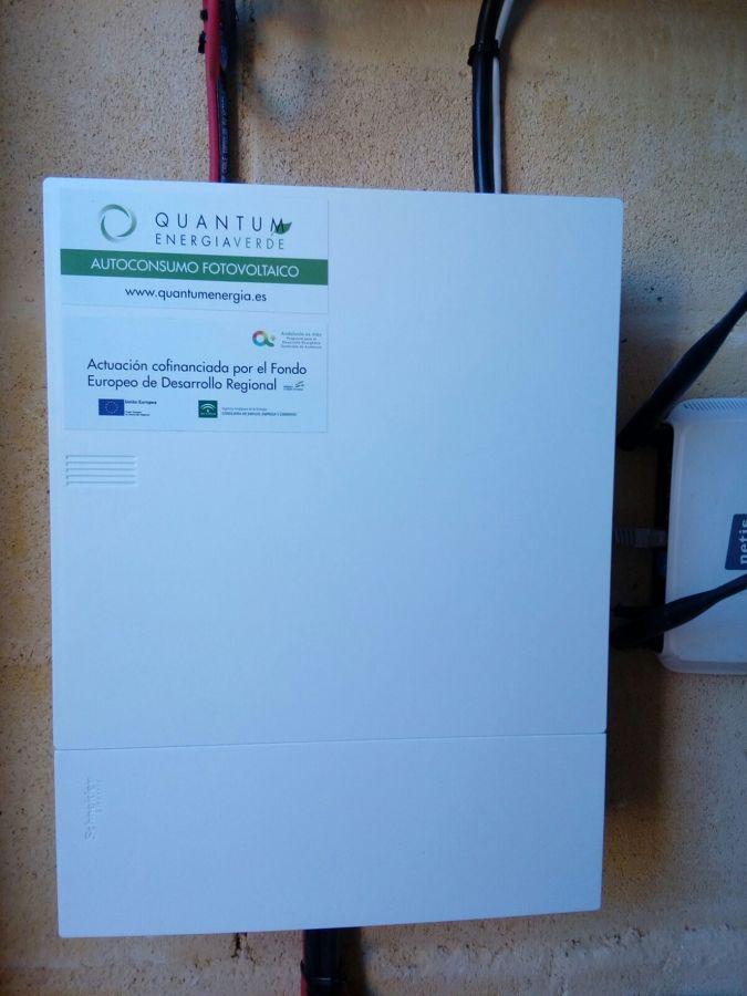 Instalacion autoconsumo solar con baterias de ion litio for Baterias de placas solares