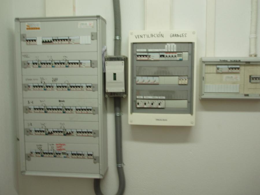 Foto cuadro el ctrico de garaje de instalaciones - Electricistas en bilbao ...