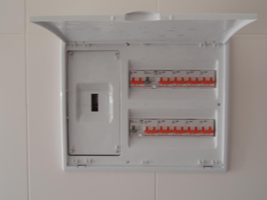Foto cuadro el ctrico de vivienda de instalaciones - Instalacion electrica superficie ...