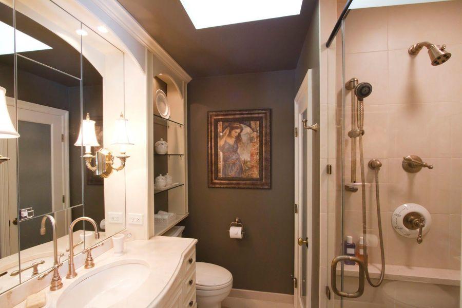 cuadro en el baño