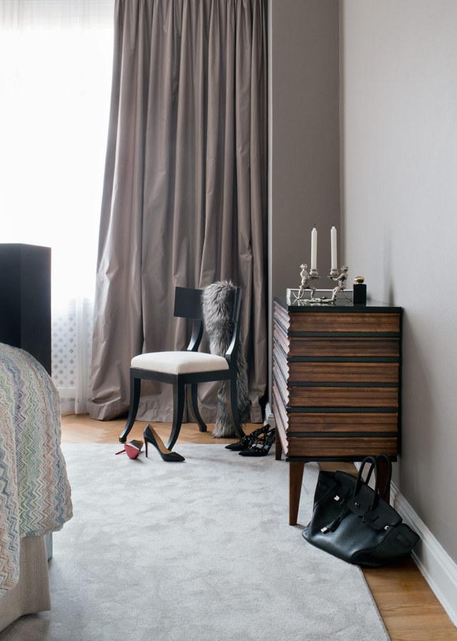 Cuarto con cortinas tupidas