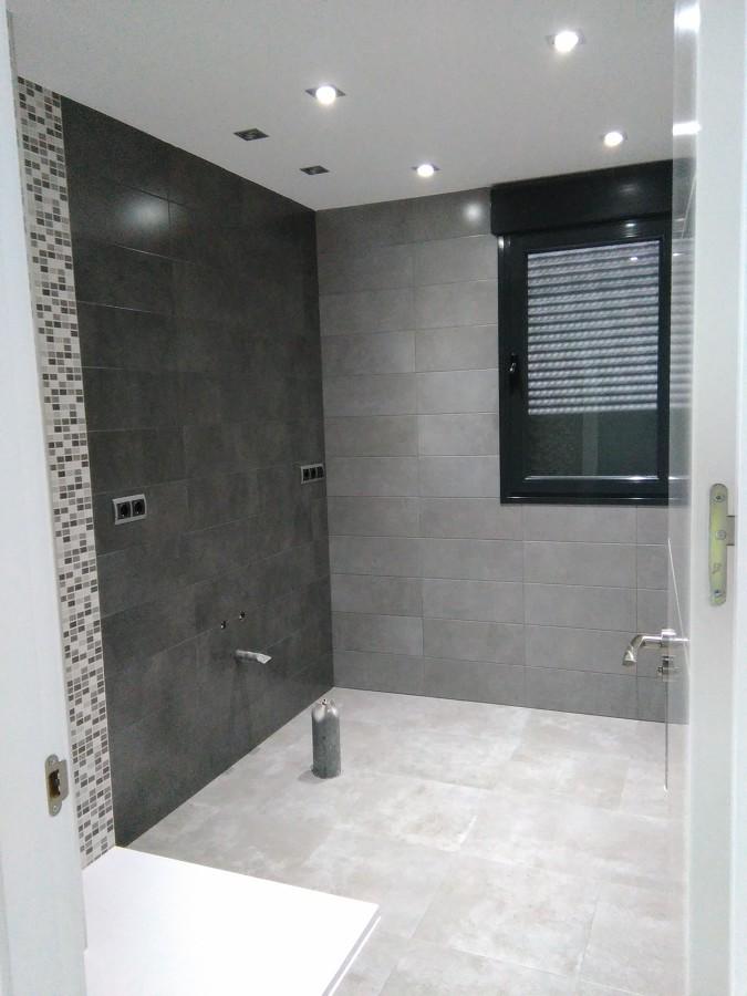 cuarto de baño de construcción casa particular
