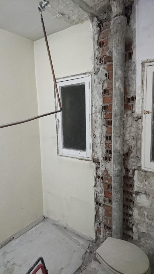 Cuarto de baño, fase de demoliciones.