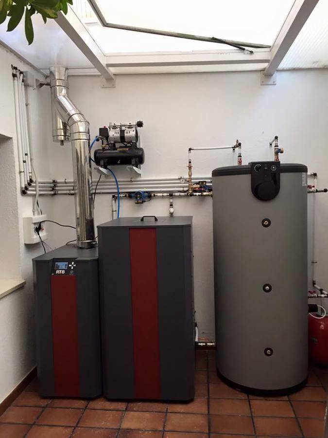 Caldera de pellet para agua caliente y calefaccion ideas calefacci n - Caldera pellets agua y calefaccion ...