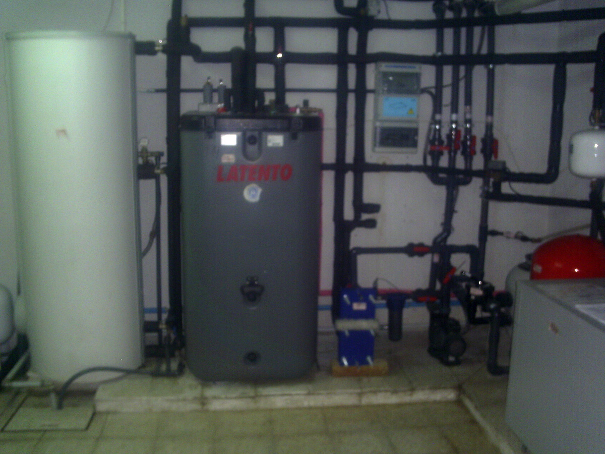 Energ a solar y calefacci n por suelo radiante para for Caldera para suelo radiante