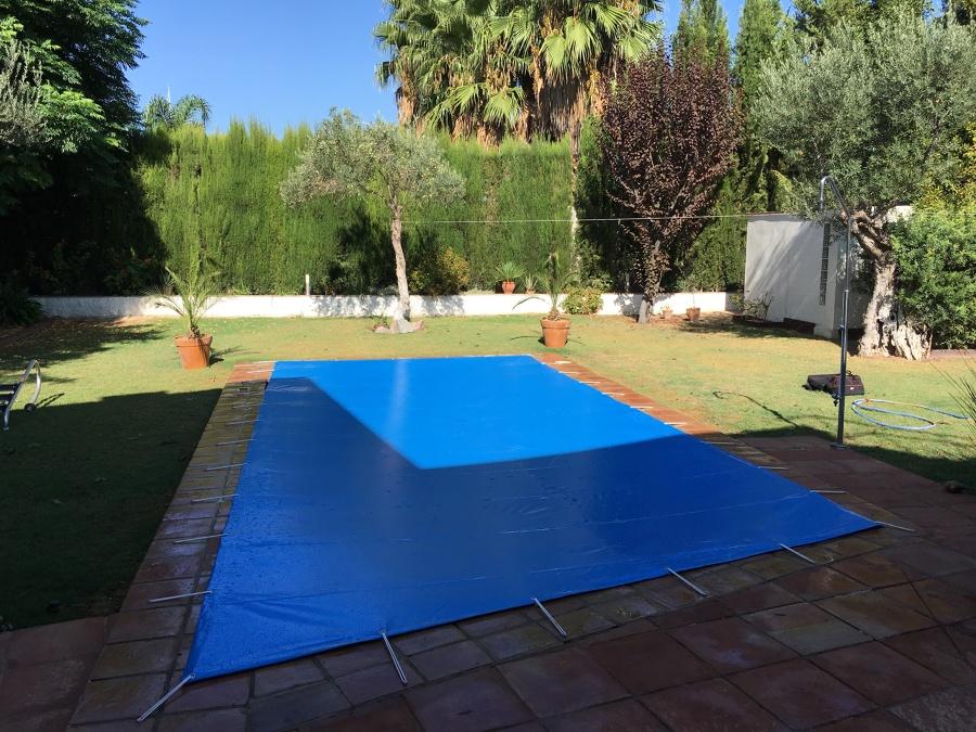 Cubierta de protección para piscinas