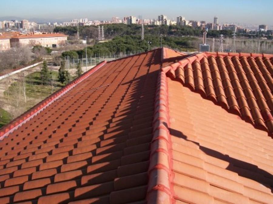Foto cubierta teja mixta de impermebur sl 778475 for Tejados y fachadas vizcaya