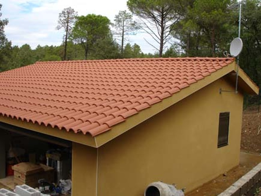 Foto cubiertas teja mixta de impermebur sl 778478 for Tejados de madera con teja