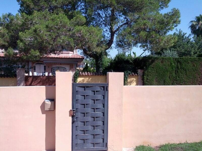 Decoracion de fachada y puertas exterior en exterior - Decoracion muros exteriores ...