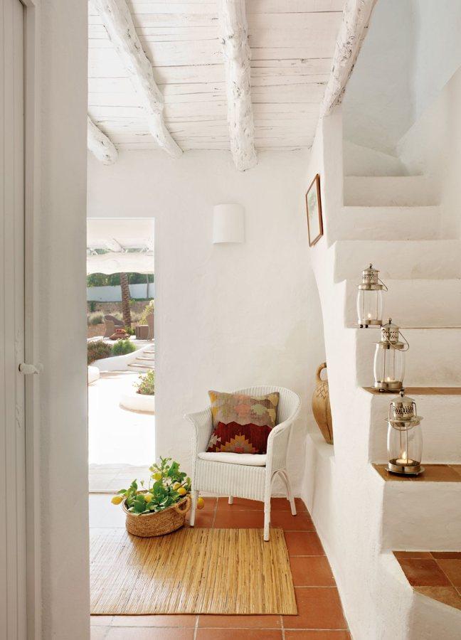 Estilo ibicenco la decoraci n que nunca pasa de moda for Decoracion de interiores estilo clasico
