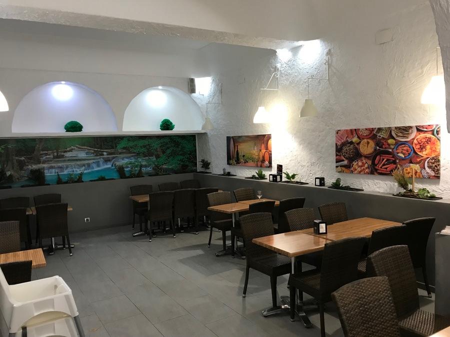 Decoración interior de restaurante
