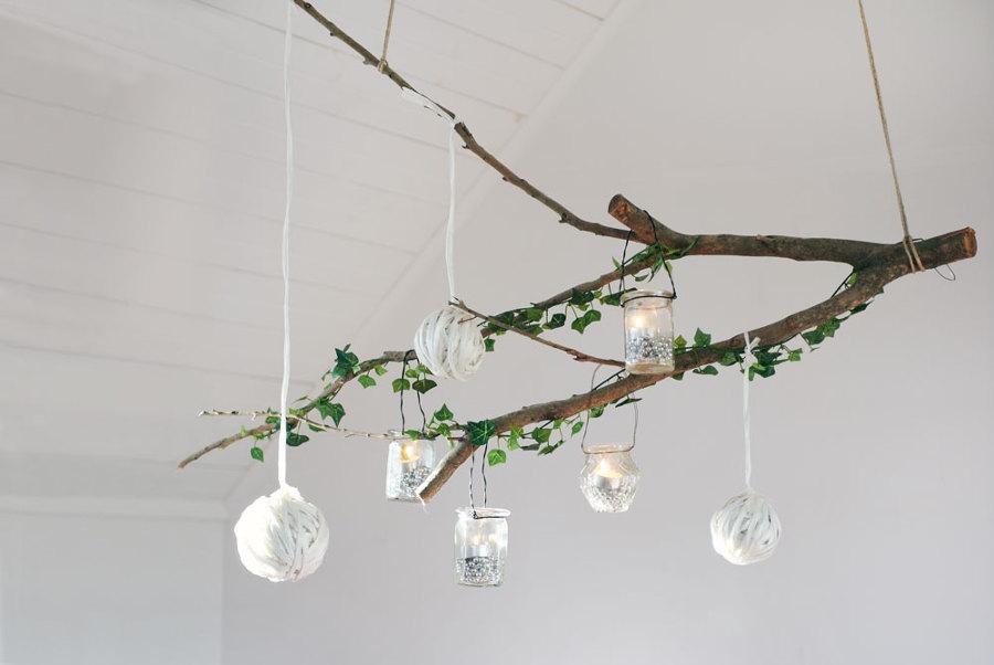 Crea un rbol de navidad nico con ramas secas ideas for Decoracion con ramas secas