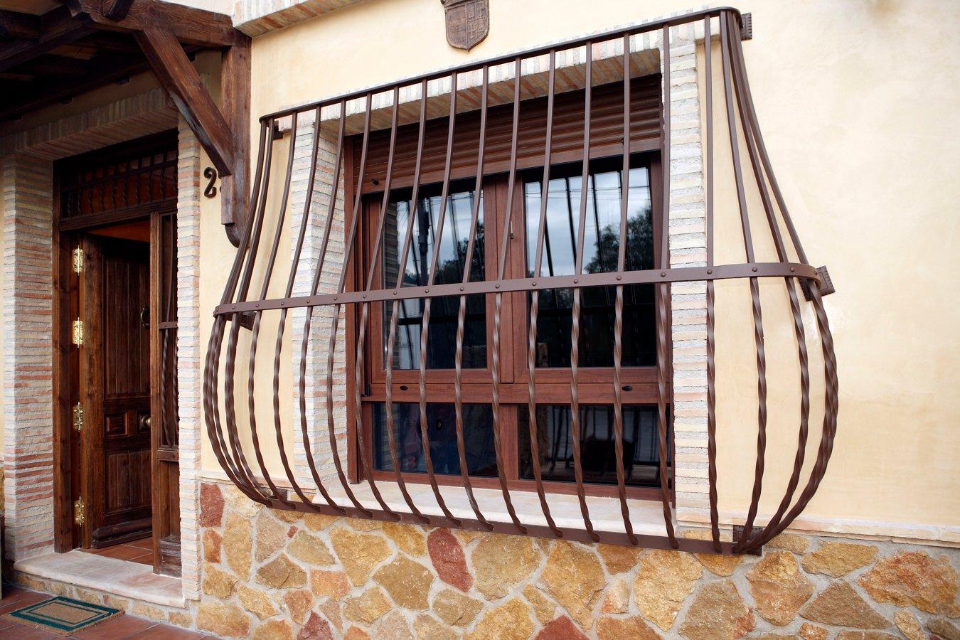 Foto decoracion rustica fachada de obras servicios y - Colores para fachadas rusticas ...