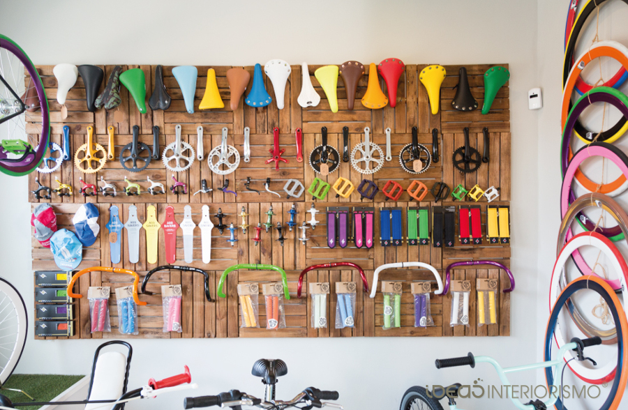 decoracin vintage en tienda de bicicletas
