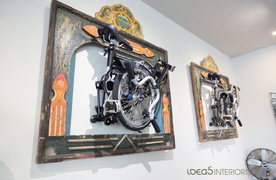 Decoración Vintage en tienda de bicicletas.