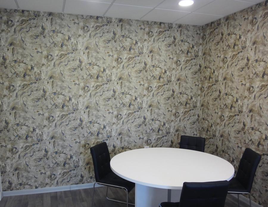 Foto decoracion y colocaci n de papel imitacion piedra de for Papel imitacion piedra
