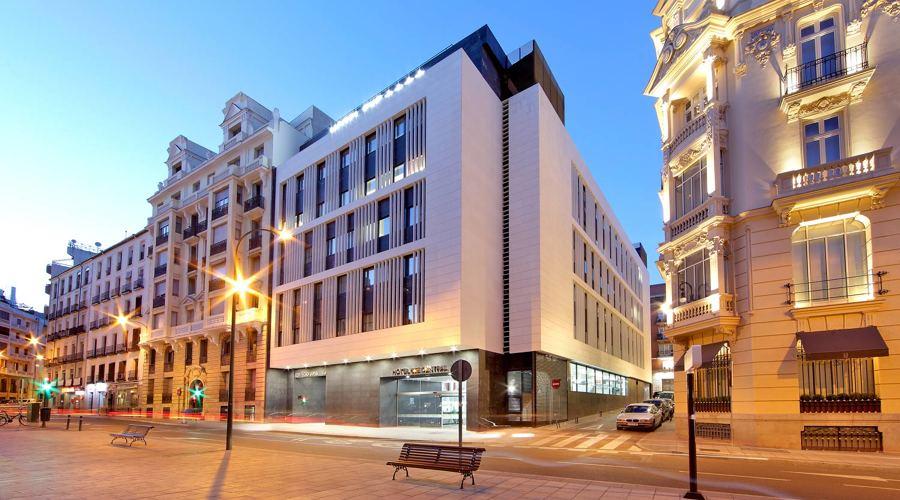 Decoraci n y equipaci n para hoteles en madrid for Hoteles minimalistas en espana