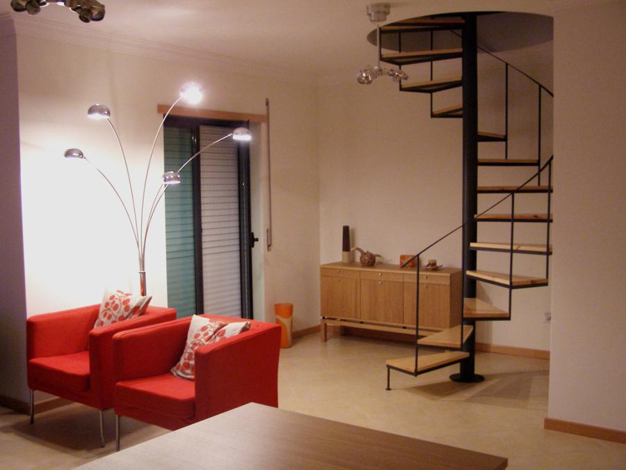 Consejos de decoraci n de escaleras interiores ideas for Articulos de decoracion de interiores