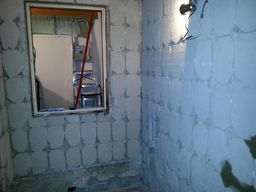 Demolición de azulejo antiguo
