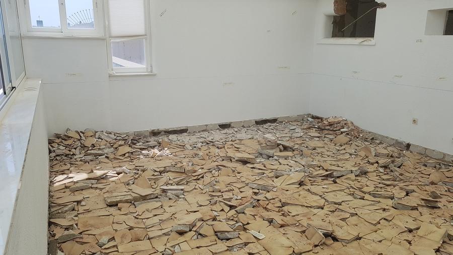 Demolición de suelo existente para bajar su altura