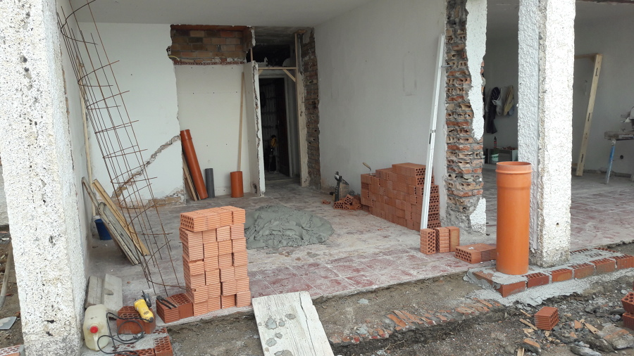 Demolición y arreglo de fachada