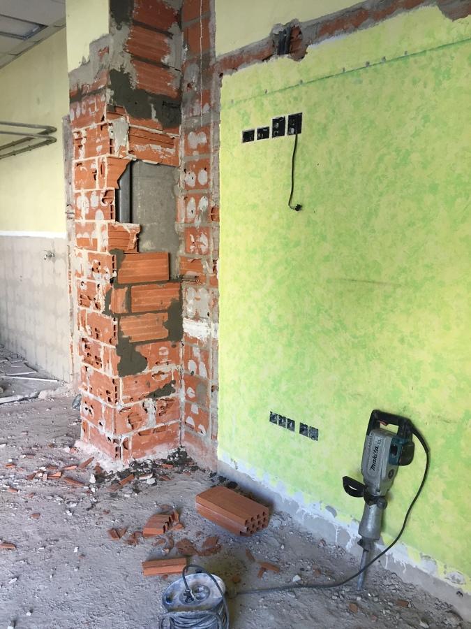 Demoliciones de antiguas oficinas