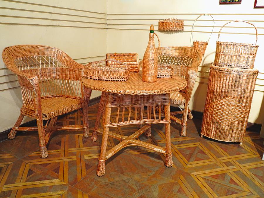 C mo restaurar muebles de mimbre ideas mantenimiento for Muebles mimbre