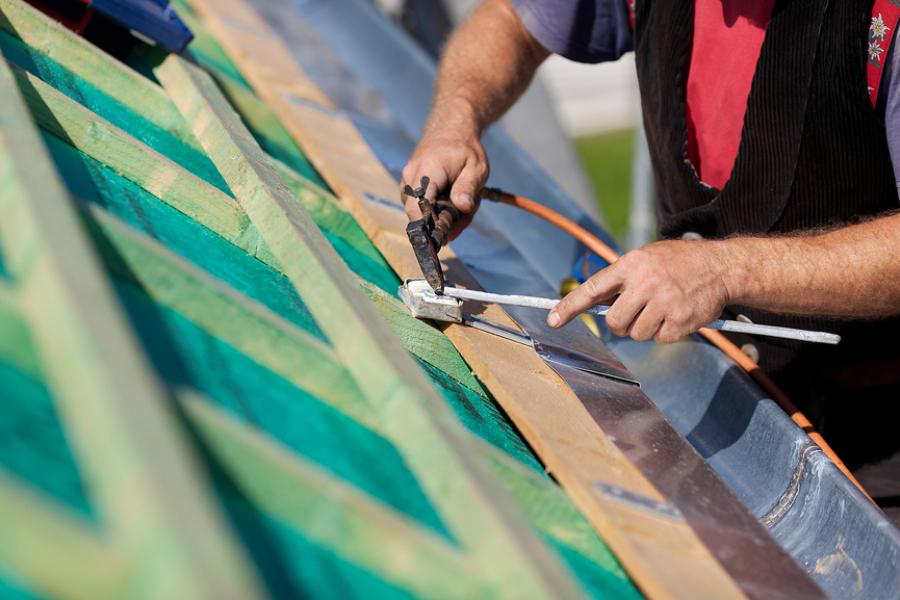 C mo colocar un canal n de pvc en el tejado ideas tejados - Tejados de pvc ...