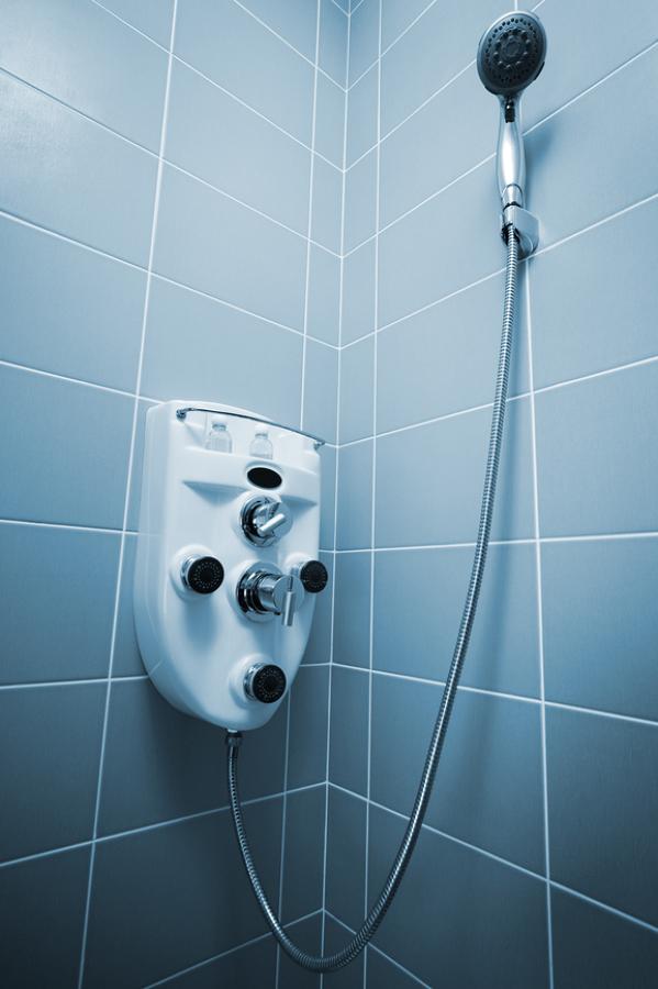 C mo arreglar una fuga de la manguera de la ducha ideas for Como arreglar una gotera en la regadera
