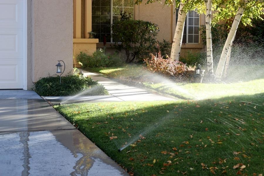 Tipos de aspersores para el jard n ideas mantenimiento for Aspersores de agua para jardin