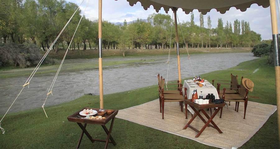 Desayuno en pleno safari