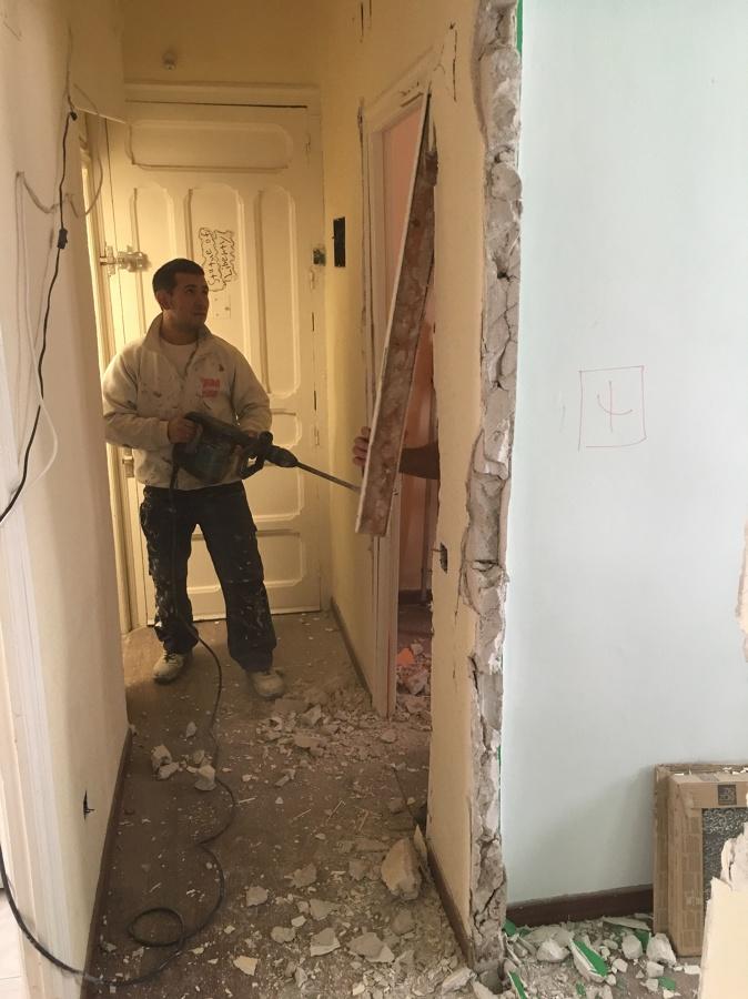 Desescombrar pared del pasillo