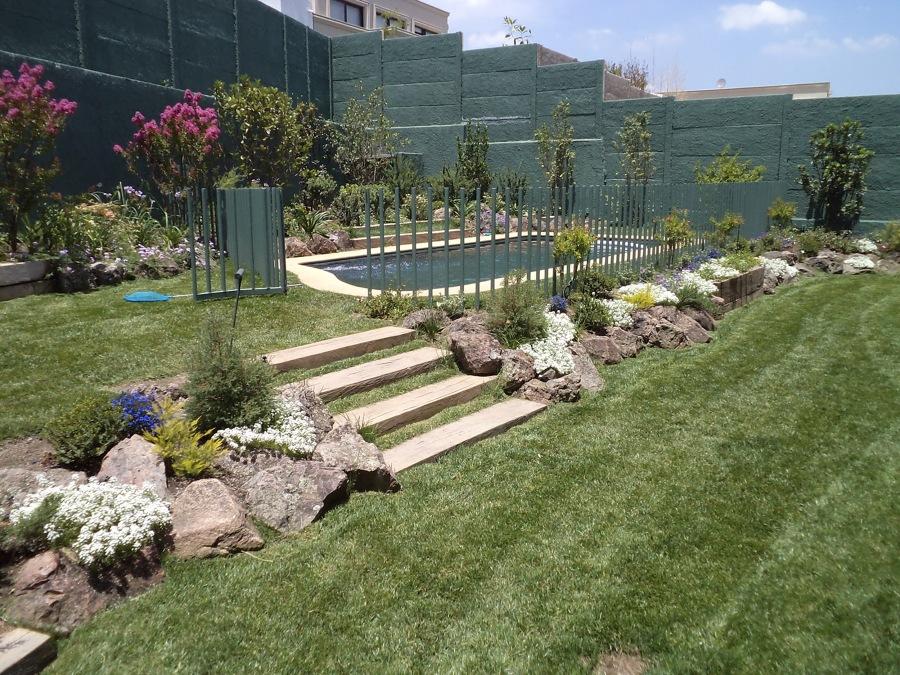 Descubre c mo dise ar jardines con desniveles ideas for Como disenar mi jardin