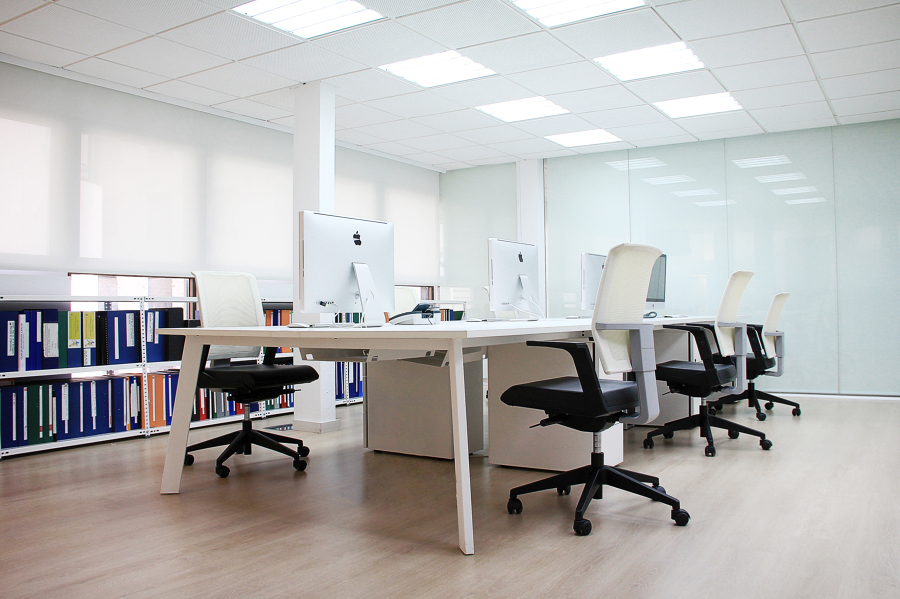 Despacho arquitectura ideas reformas oficinas for Reformas oficinas barcelona
