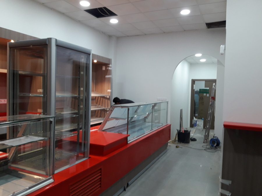 Despacho de pan ya reformado con su mobiliario