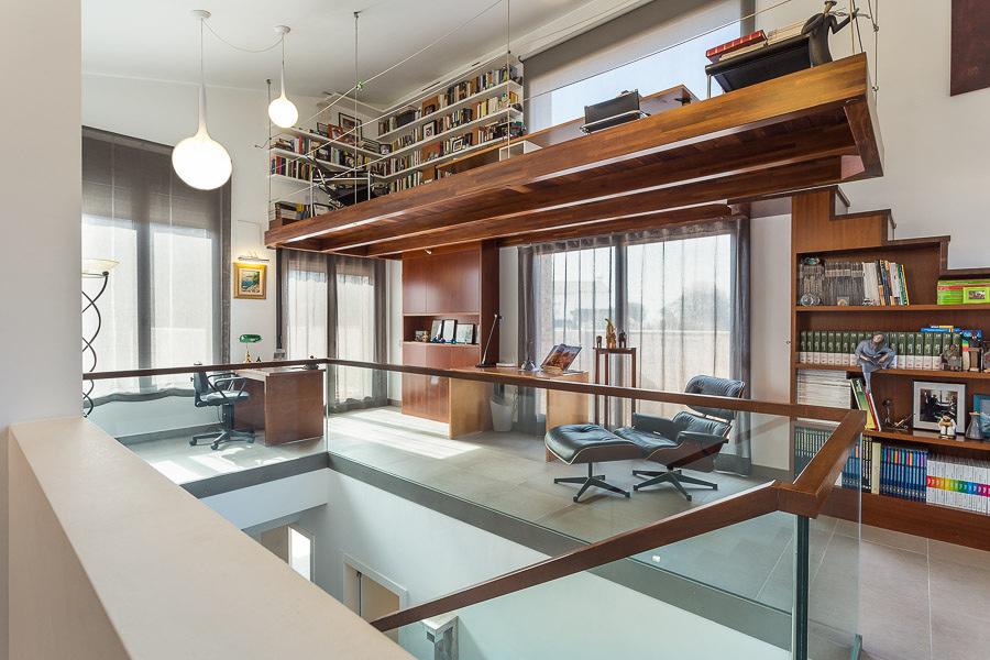 Despacho y biblioteca