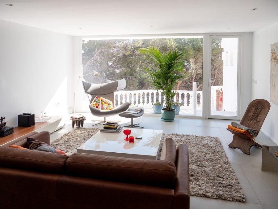 Destalle del salón y las vistas a la terraza